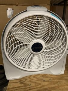 Lasko Cyclone floor fan NIB