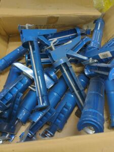 "lot of 16 9"" ratchet caulk guns"
