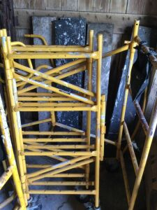 4 Sections of 4' Yellow Scalfolding