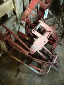 4 Red Metal Ladder Jacks